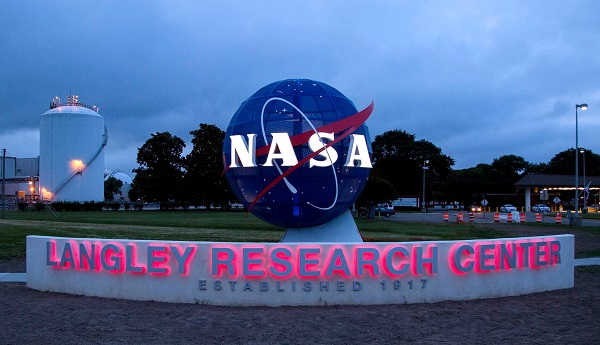 NASA_Langley_Research_Center_entrance_(2017).jpg